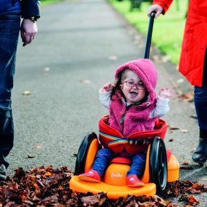 Scooot – Déambulateur, mini fauteuil roulant pour enfant handicapé (2 – 6ans)